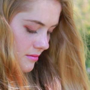 Mia Green Acoustic Pop Singer/Songwriter - Singing Guitarist in Troy, Michigan