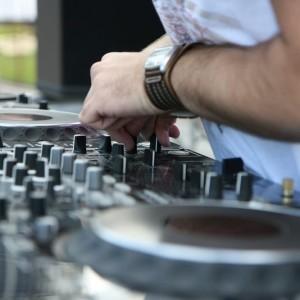 MiamiDJs4u, LLC - Wedding DJ in Miami, Florida