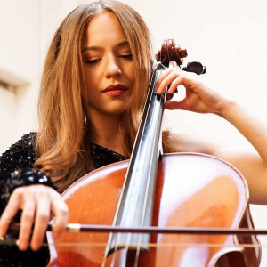 Michelle Packman - Cellist in Los Angeles, California