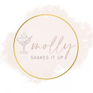 Molly Shakes It Up - Bartender in San Diego, California