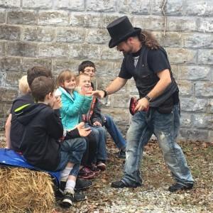 Morley Family Magic - Magician in Batesville, Arkansas