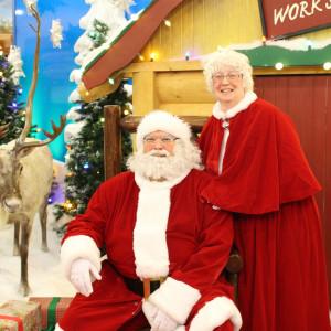 Mr and Mrs Kyle Claus - Santa Claus in Edmonton, Alberta