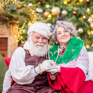 Mr. and Mrs Kringle - Santa Claus in Lumberton, New Jersey