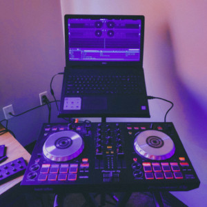 Music On Entertainment - Mobile DJ / DJ in Columbus, Nebraska