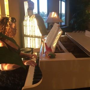 Rebekah Piatt Pop music with Pizazz - Pianist in Orlando, Florida