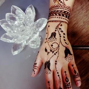 Organic Henna Body Art - Henna Tattoo Artist / Arts & Crafts Party in Chattanooga, Tennessee