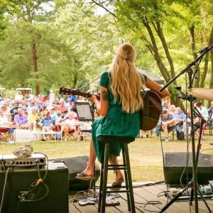 Paige Melton - Singing Guitarist in Philadelphia, Pennsylvania