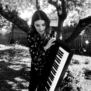 PDX Piano Artist - Annie Kehoe - Pianist in Portland, Oregon