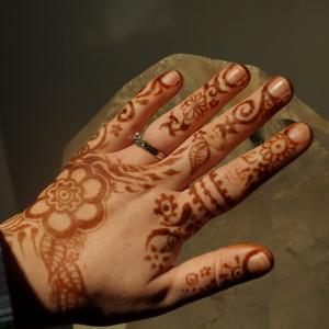 Peace Bee And Rainbow Song Henna - Henna Tattoo Artist / Temporary Tattoo Artist in Franklin, Massachusetts