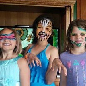 Peace, Love, & Face Paint - Face Painter in Maplewood, Minnesota