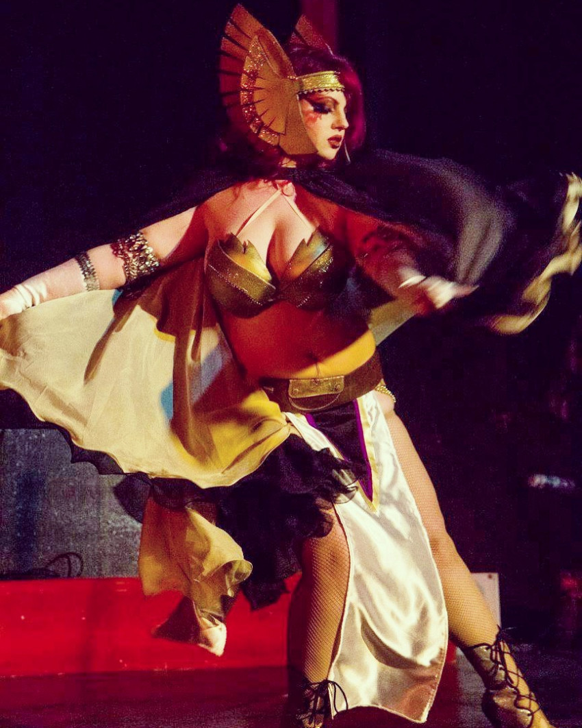 Burlesque Acts - Red Herring Burlesque - Toronto