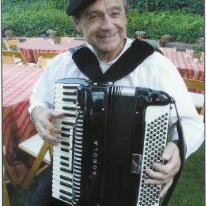 """Reno Di Bono """"The Italian Accordionist"""" - Accordion Player in Cupertino, California"""