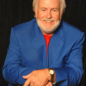 Richard Hampton as Kenny Rogers
