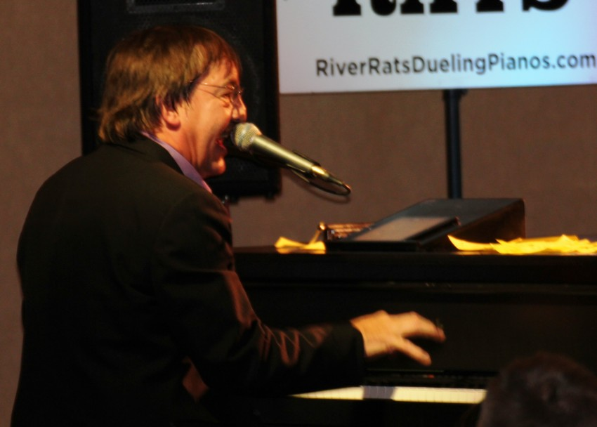 Hire River Rats Dueling Pianos - Dueling Pianos in