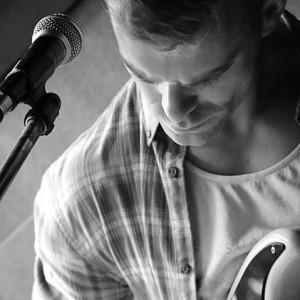 Robby Simpson - Singing Guitarist in Vancouver, British Columbia