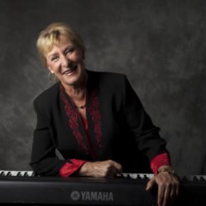 Robrta Demuro - Singing Pianist in Boynton Beach, Florida