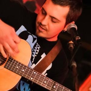 Roger Mauldin - Singing Guitarist in Raleigh, North Carolina