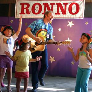 Ronno - Children's Music / Children's Party Entertainment in Kitchener, Ontario