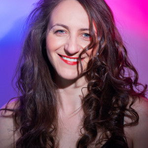 Rosemary Reid - Toronto's Female Magician - Magician / Balloon Twister in Toronto, Ontario