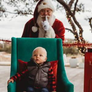 Sal Manfredo - Children's Party Magician / Santa Claus in New Braunfels, Texas