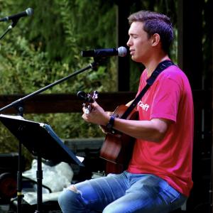 Sal Monteverde - Singing Guitarist in Manhattan, New York
