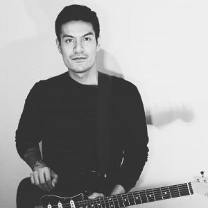 Salvatore - Singing Guitarist in Portland, Oregon