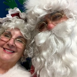 Santa Claus & Mrs. Claus - Santa Claus in Westport, Massachusetts