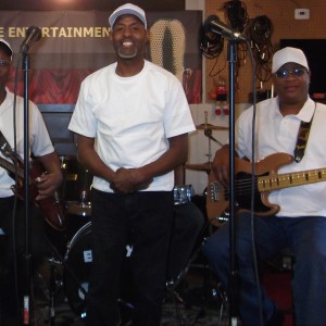 Satizfaction and Daryl Reed - Pop Music in Chicago, Illinois
