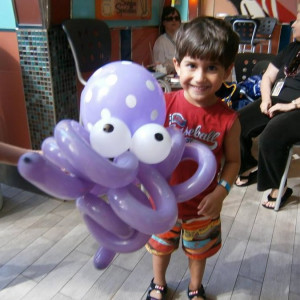 Faceloon - Balloon Twister in Toronto, Ontario