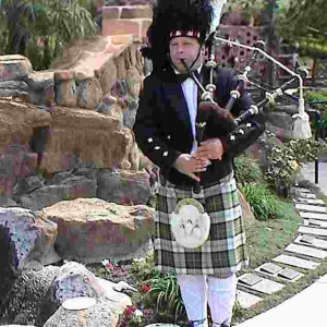 Scottish Bagpipes and Drums - Bagpiper in Woodland Hills, California