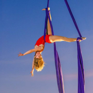 Shaly Acerodon - Aerialist in Oakland, California
