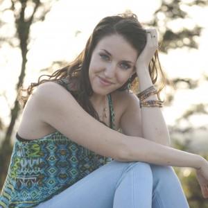 Shani Rose Music - Singing Pianist in Los Angeles, California