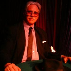 Sheyn Fargesn - Comedy Magician in Los Angeles, California