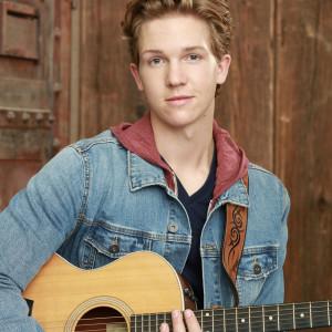 Wyatt Rhinehart - Singing Guitarist in San Diego, California