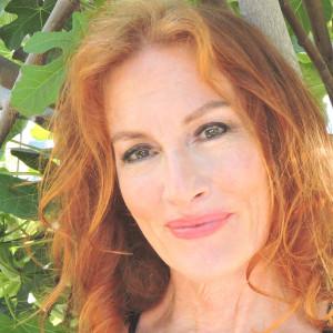 Sirena Pendragon - Psychic Entertainment in Los Angeles, California