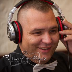 SoHo Entertainment - DJ SoHo - Mobile DJ / Wedding DJ in Cincinnati, Ohio
