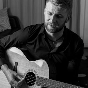Stephen Walsh - Singing Guitarist in Las Vegas, Nevada