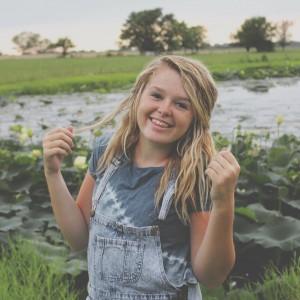 Sydney Renee Photography  - Photographer in Adrian, Missouri