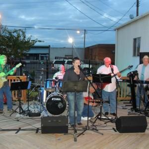 Telina Rudd and the B102 Band