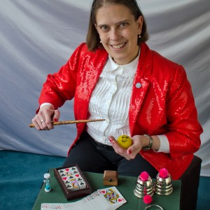 Proximity Illusions With Carrie Rostollan - Magician / Family Entertainment in Auburn, Michigan