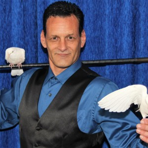 The Magic Of Michael Minter - Magician / Corporate Magician in Westchester, New York