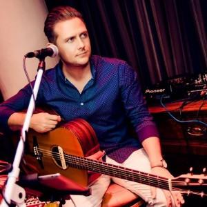 The Man - Guitarist in Nashville, Tennessee