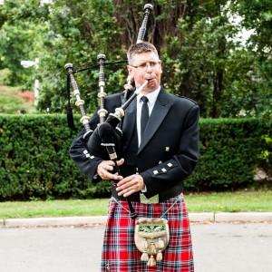 The Wedding Piper - Bagpiper in Toronto, Ontario