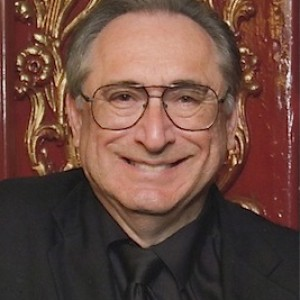 Tom Ogden - Comedy Magician in Los Angeles, California