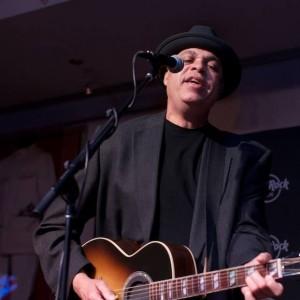 Tom Wood - Singing Guitarist in Las Vegas, Nevada