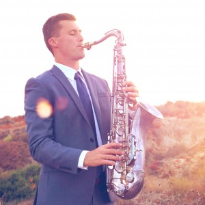 Tyler Varnell - Saxophone | Piano | DJ - Saxophone Player / Street Performer in Newport Beach, California