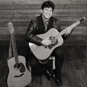 Vic Moraga - Singing Guitarist in Encinitas, California