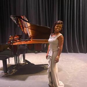 Victoria Sethunya - Classical Singer in Twin Falls, Idaho