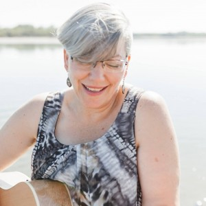 Wanda Gronhovd - Singing Pianist in Regina, Saskatchewan