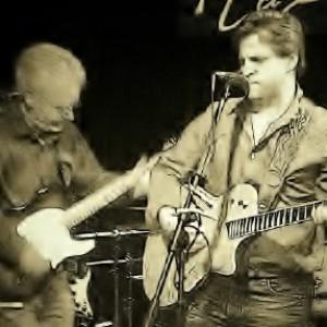 """West Montrose"" - Singing Guitarist in Kitchener, Ontario"